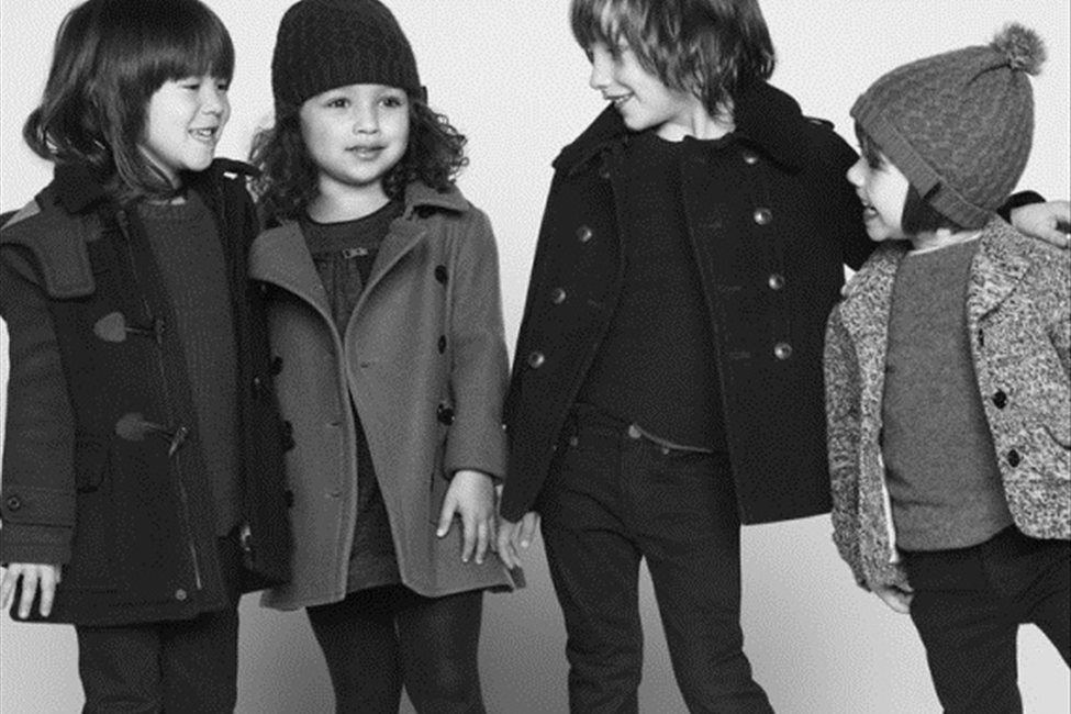 Burberry запустили очаровательную кампанию осенне-зимней коллекции детской одежды. . Для черно-белого фотосета