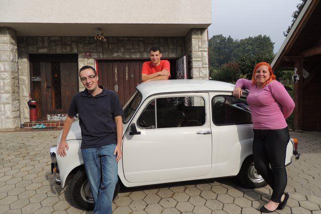 Aleš Majerič in Sanja Ferk (v ospredju), ki sta zakrivila presenetljiv obisk pri Metikoševih v Zgornji Polskavi.