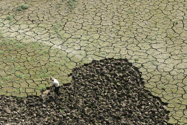 El Niño v Južno Ameriko prinaša močne padavine, v azijske države in Avstralijo pa sušo.